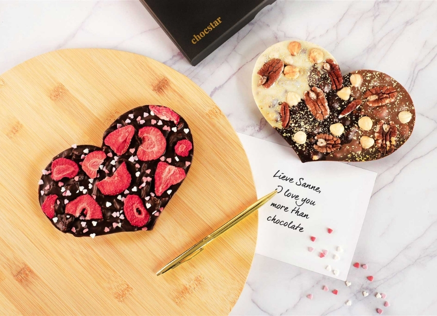 Geef-een-chocolade-hart-cadeau-voor-valentijnsdag-chocstar