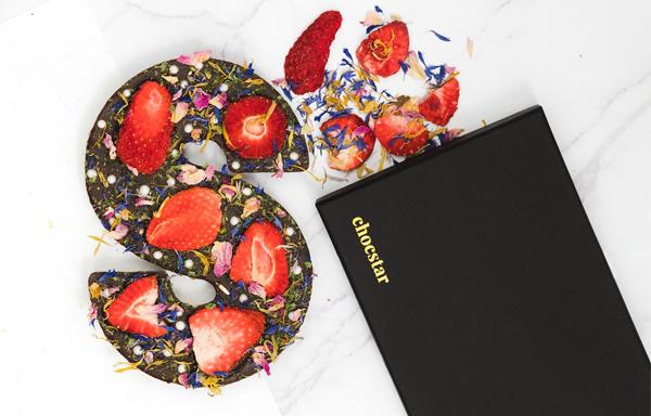 Gepersonaliseerde chocoladeletter met customised wikkel voor Sinterklaas